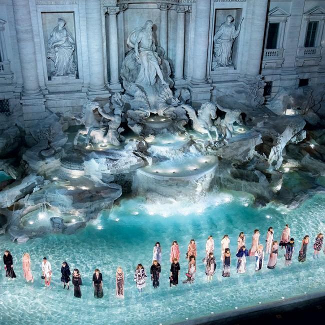 FENDI • 90th anniversary celebration, Haute Couture 2016 fashion show in Trevi Fountain